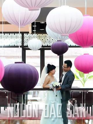 Đèn lồng trang trí ngày cưới