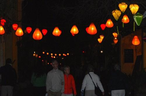 Hội An lung linh đèn lồng phố cổ1
