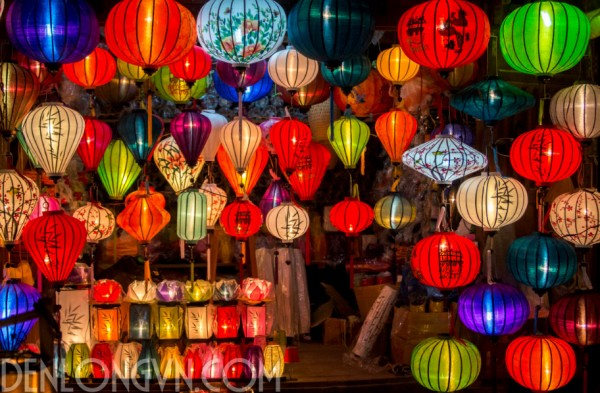 cua hang den long hoi an 1