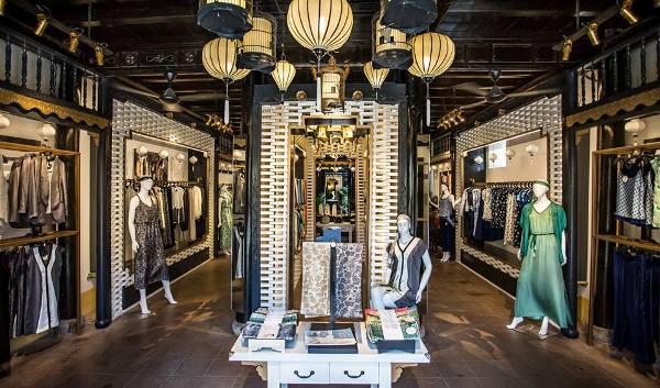 den long trang tri shop thoi trang 1 Đèn lồng trang trí cửa hàng thời trang