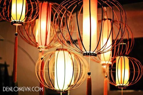 Ánh sáng dịu nhẹ tỏa ra từ những chiếc đèn