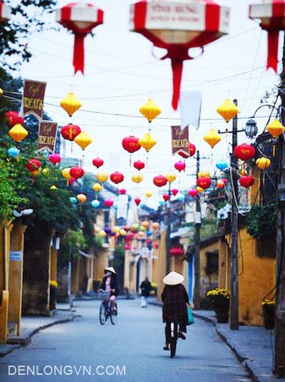 đường phố Hội An ngày Tết với đèn lồng