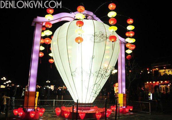 pho co hoi an bung sang den long don năm moi 3 Sử dụng đèn lồng Việt ủng hộ hàng Việt