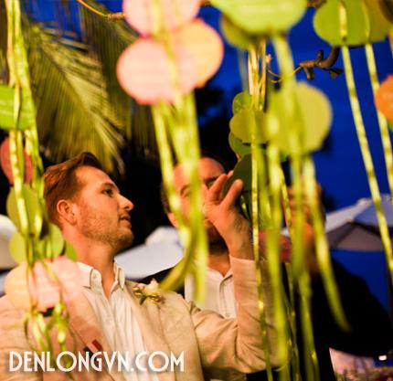 tttcnt 8 Trang trí tiệc cưới ngoài trời với Đèn lồng Việt