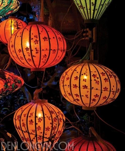 ve den long hoi an 5 Nghề vẽ đèn lồng Hội An