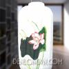 Đèn lồng thùng vẽ hoa sen trên lá