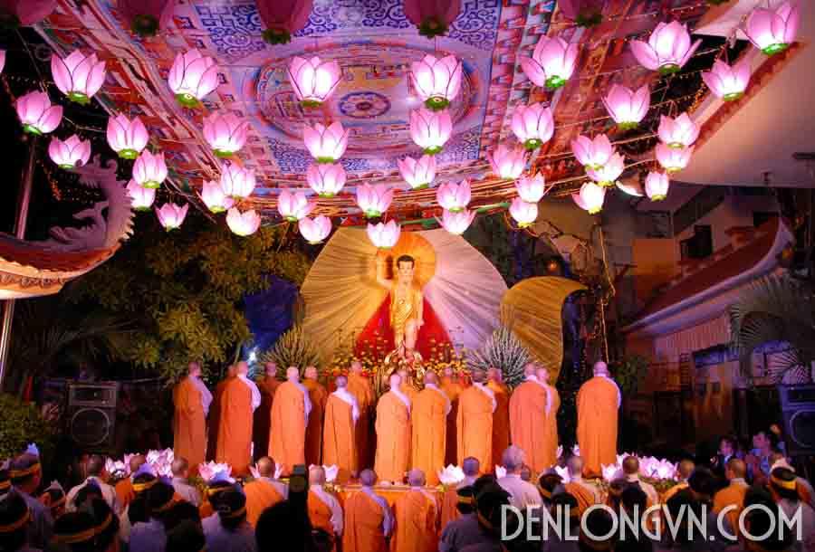 đèn lồng hoa sen trang trí chùa chiền