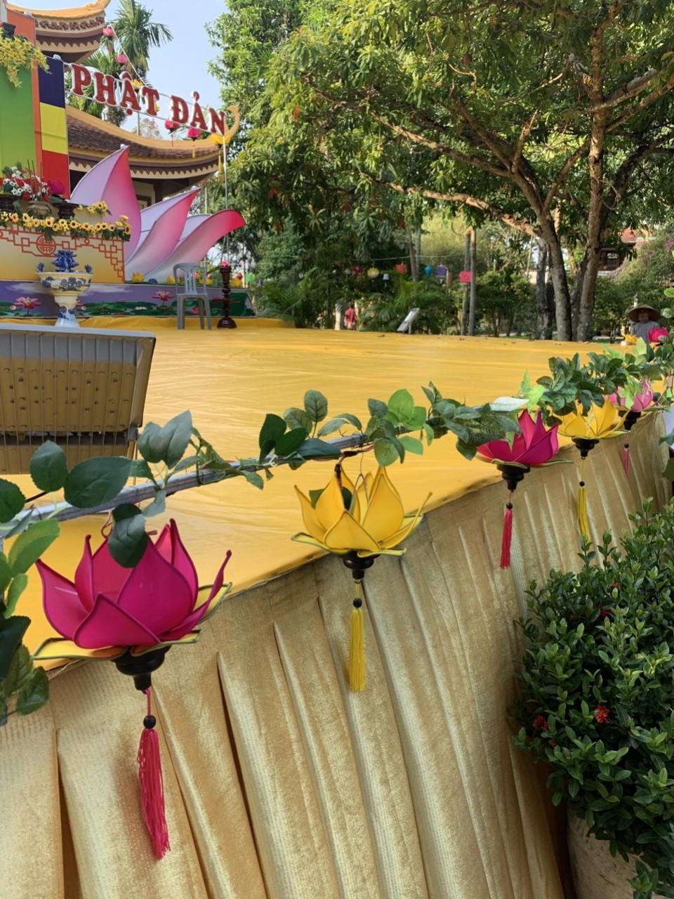 Lồng Đèn trang trí Phật Đản 2021 | LồngĐèn Việt
