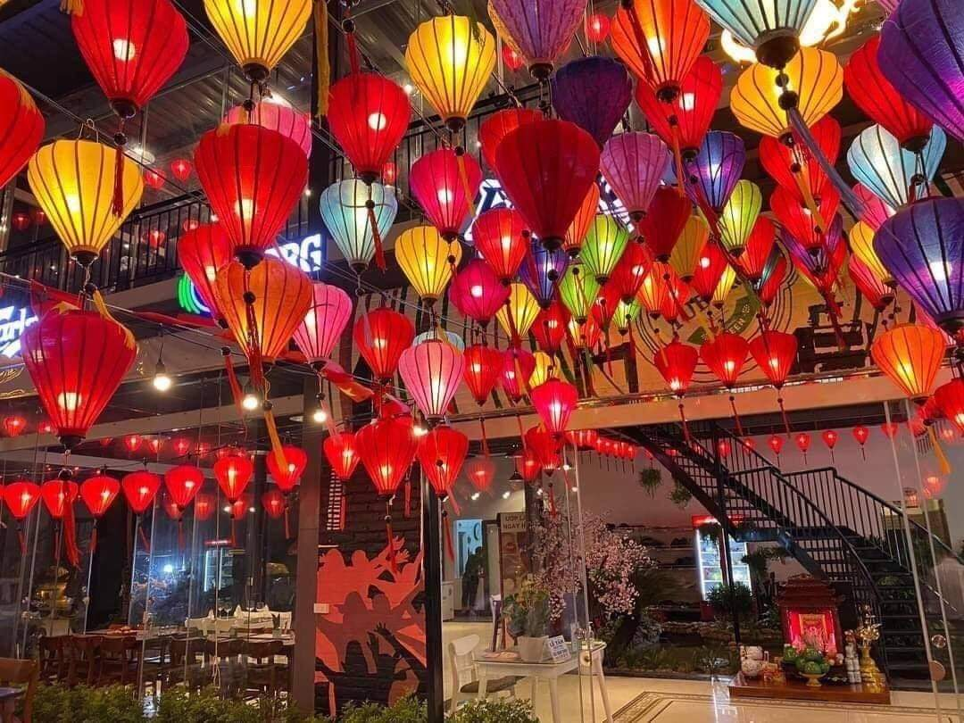 Đèn lồng Việt cho Trung thu Việt