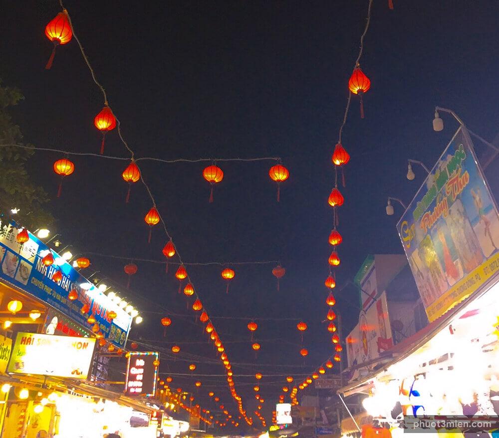 Đèn lồng trang trí chợ đêm Phú Quốc