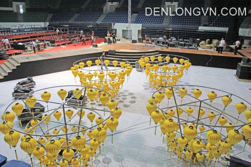 Đèn lồng sử dụng cho sân khấu duyên dáng Việt Nam tại Đà Nẵng