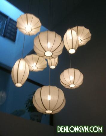 Trang trí giếng trời trong nhà bằng đèn lồng Hội An cách điệu