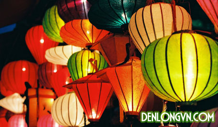 Những chiếc đèn lồng lung linh đầy màu sắc