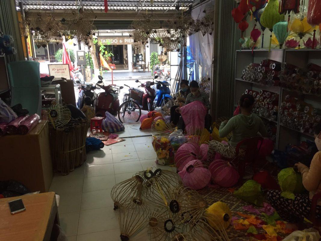 Khai trương Xưởng Đèn lồng Việt thứ 2 tại Hội An