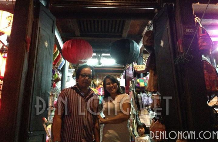 Danh ca Evis Phương giao lưu tại xưởng Đèn lồng Việt