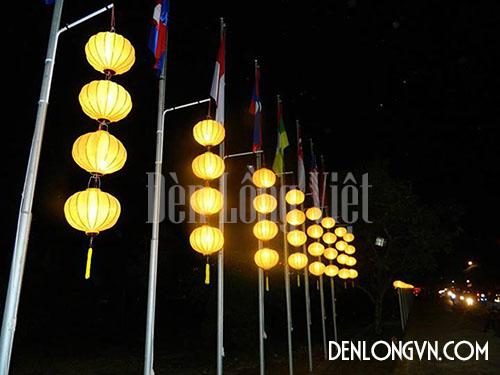 Chuỗi đèn lồng trang trí cột quốc kỳ