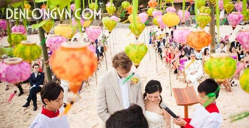 Đèn lồng được sử dụng làm điểm nhấn cho tiệc cưới