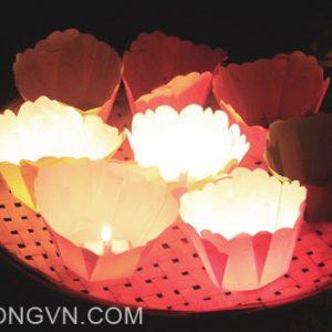 thả đèn hoa đăng mang nhiều ý nghĩa